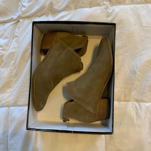 Dolce Vita tan ankle boots